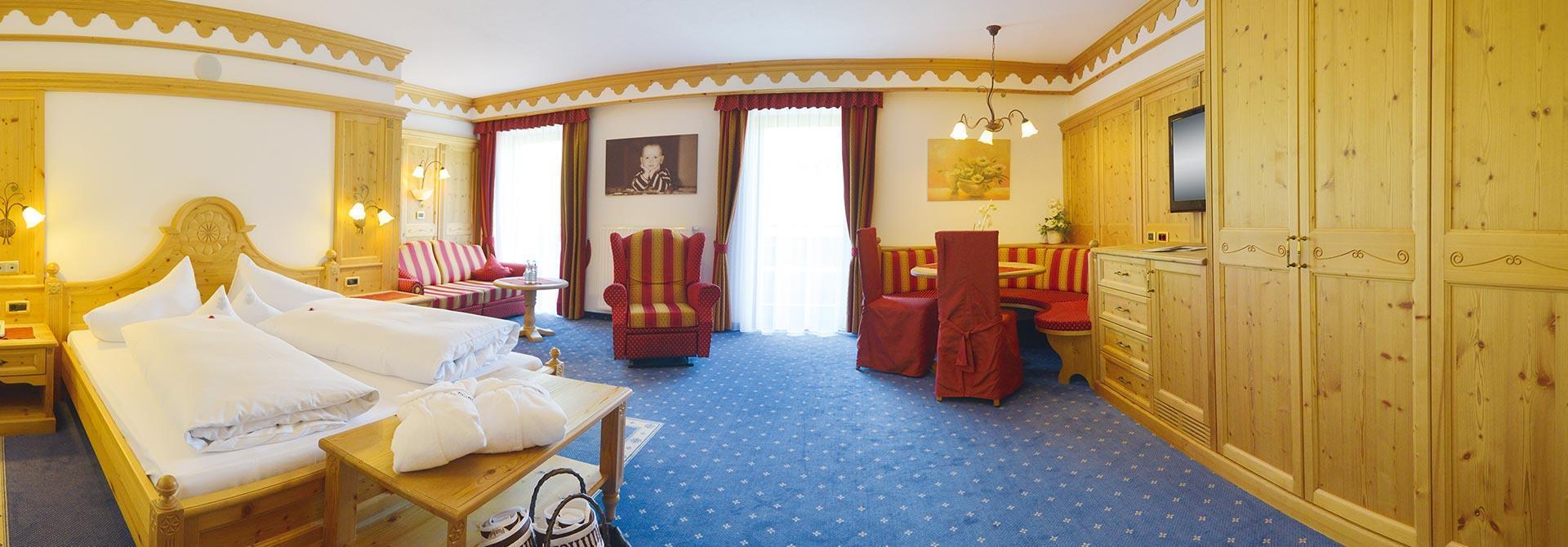 Zimmer in ridnaun ratschings suite ren suiten suite for Zimmer 75 00 37